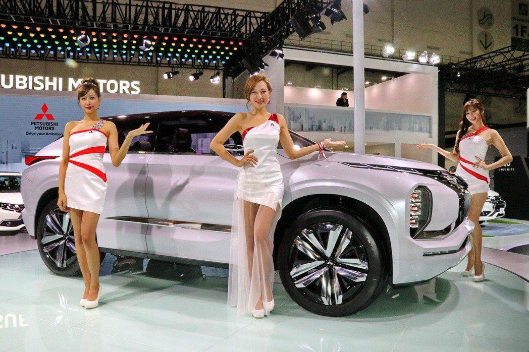 Mitsubishi GT-PHEV Concept是三菱於2016年巴黎車展發...