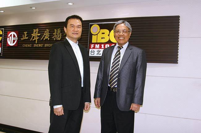 理財周刊發行人洪寶山(左)、創業培訓師何智明(右)