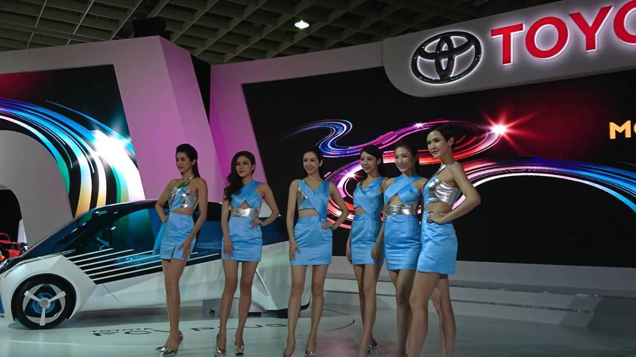 TOYOTA品牌,則是展現未來移動生活,透過多樣化的概念車與先進相互動科技,展現...