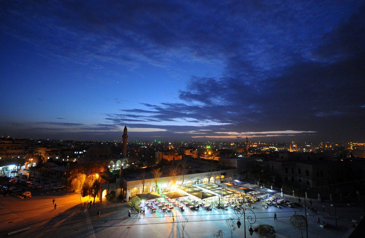 敘利亞內戰之前,阿勒坡舊城的繁榮景象,圖為2008年11月檔案照。路透
