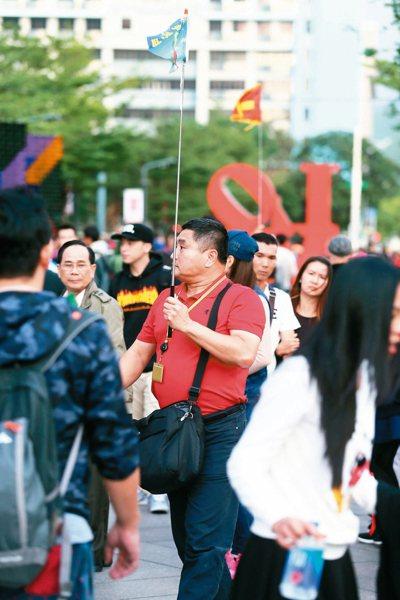 考選部宣布,明年起外語導遊、領隊考試有重大變革,外國語除外,其他3個專業科目,每...