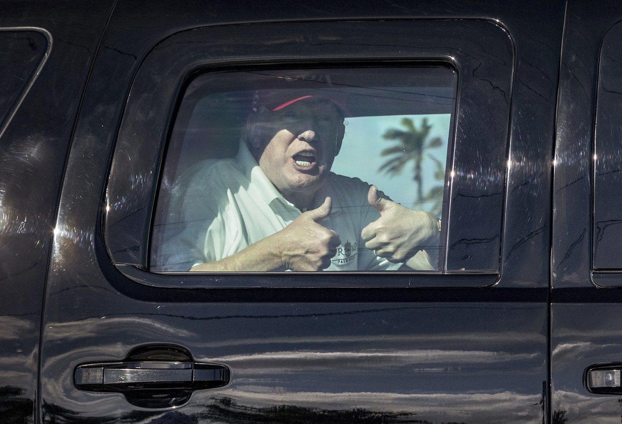 川普28日接受「紐約時報」訪問時16度重申和俄羅斯沒有勾結。 美聯社