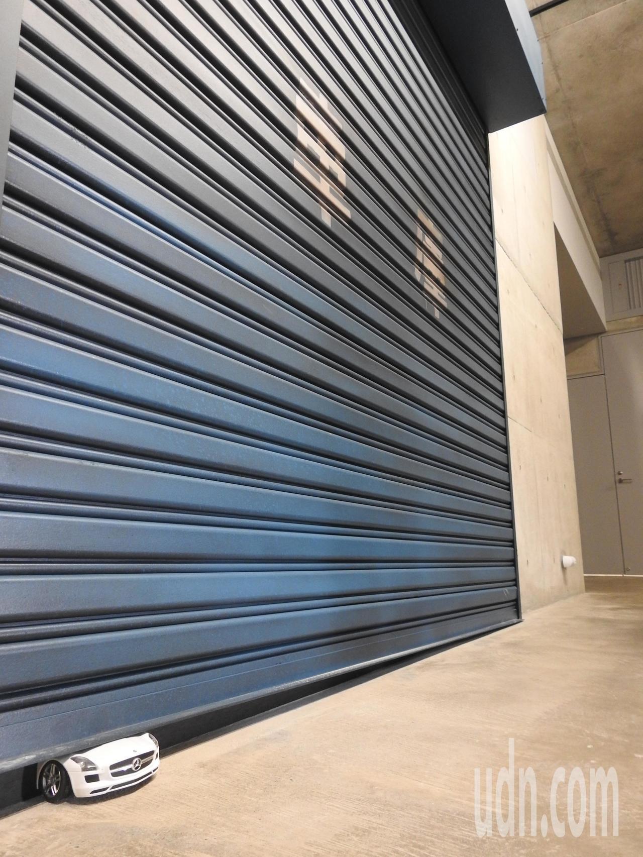 毓繡美術館「另空間」是曖昧不明、充滿想像和無限可能的場域,看見的卻不見得是真的。...