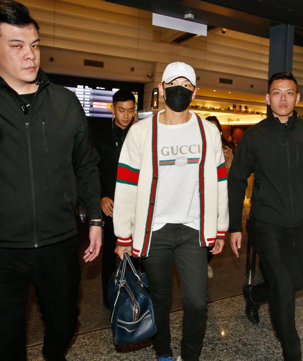 台北跨年晚會邀請韓星Rain,這是Rain首度站上台北跨年舞臺,傍晚他搭機抵達桃...