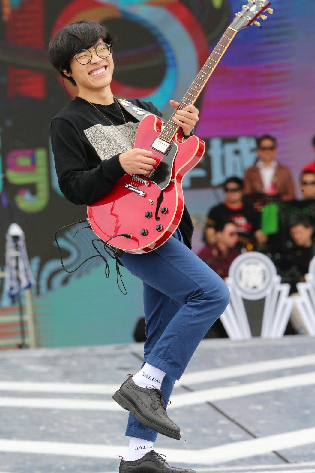 盧廣仲為台北跨年在市府舞台彩排。記者徐兆玄/攝影