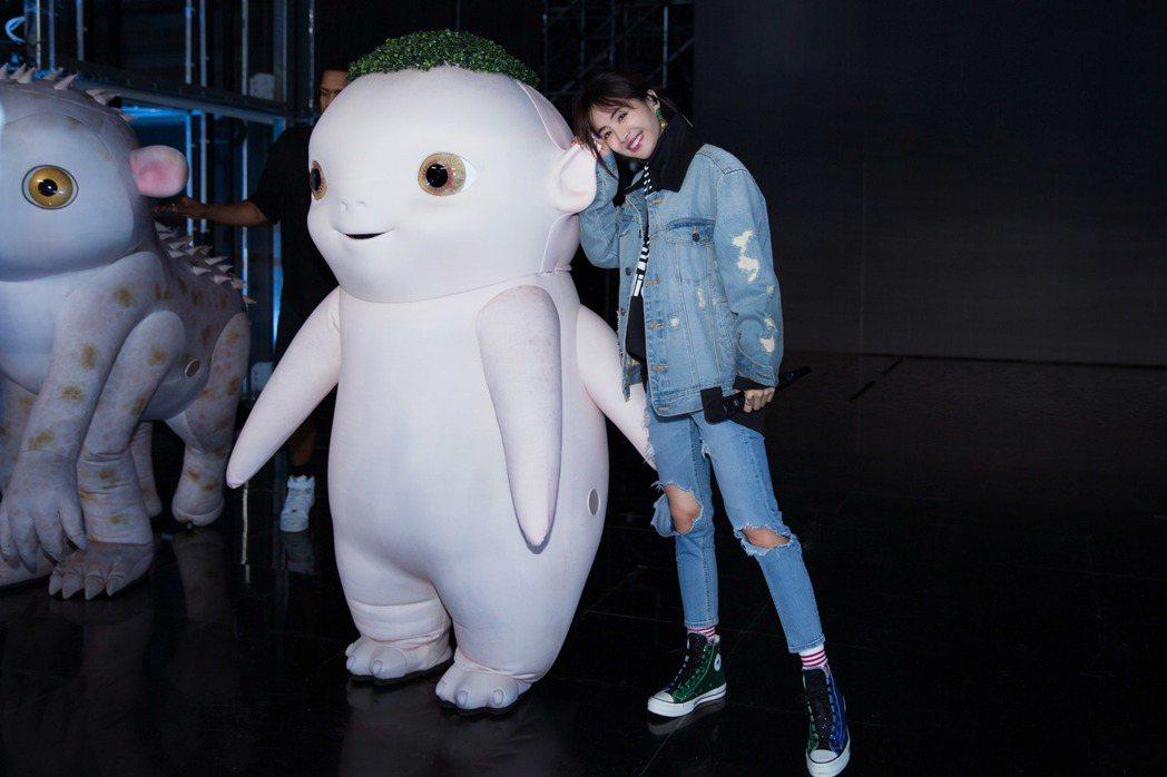 蔡依林30日在浙江衛視登場,演唱電影「捉妖記2」主題曲「什麼什麼」。圖/華納音樂