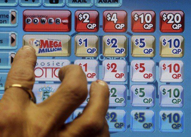 由於系統故障,耶誕節當天短時間內就產生了大量中獎彩券。 美聯社