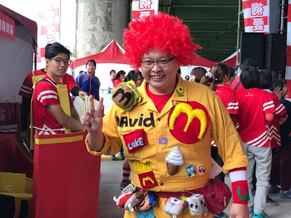 麥當勞吳鳳南餐廳是雲嘉嘉地區唯一的加盟店,加盟經營者唐有建現年39歲,他對事業經...