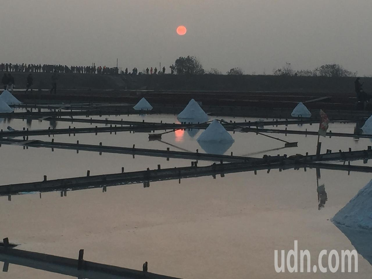 北門井仔腳最後一道夕陽。記者吳政修/攝影