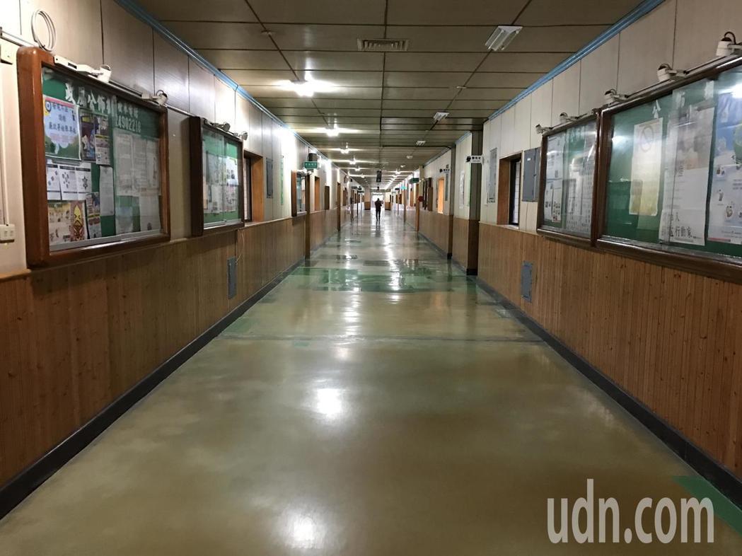 曾經人聲鼎沸的核四龍門施工處,現在冷冷清清。記者吳淑君/攝影