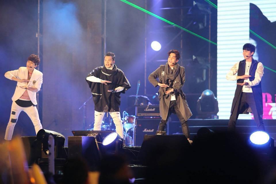 台南跨年晚會大賀兄弟接連開唱。圖/台南市政府提供
