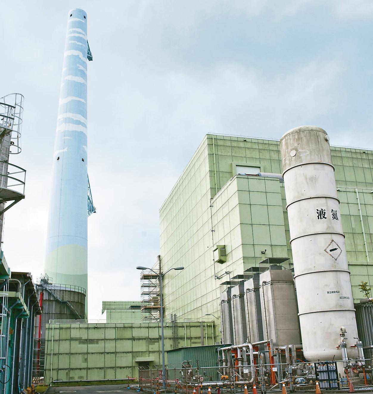 核四電廠目前正在封存中,不過台電董事長楊偉甫今天表示,1744燃料束確定將賣回美...