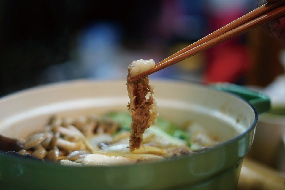 露營時也能吃壽喜燒唷!(圖片來源/《劉太太和你露營趣》)