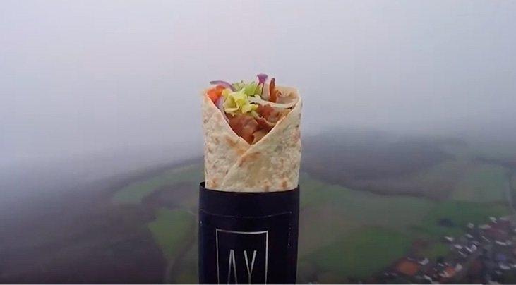 烤肉捲飛3.8萬公尺上太空 回來凍成什麼樣!