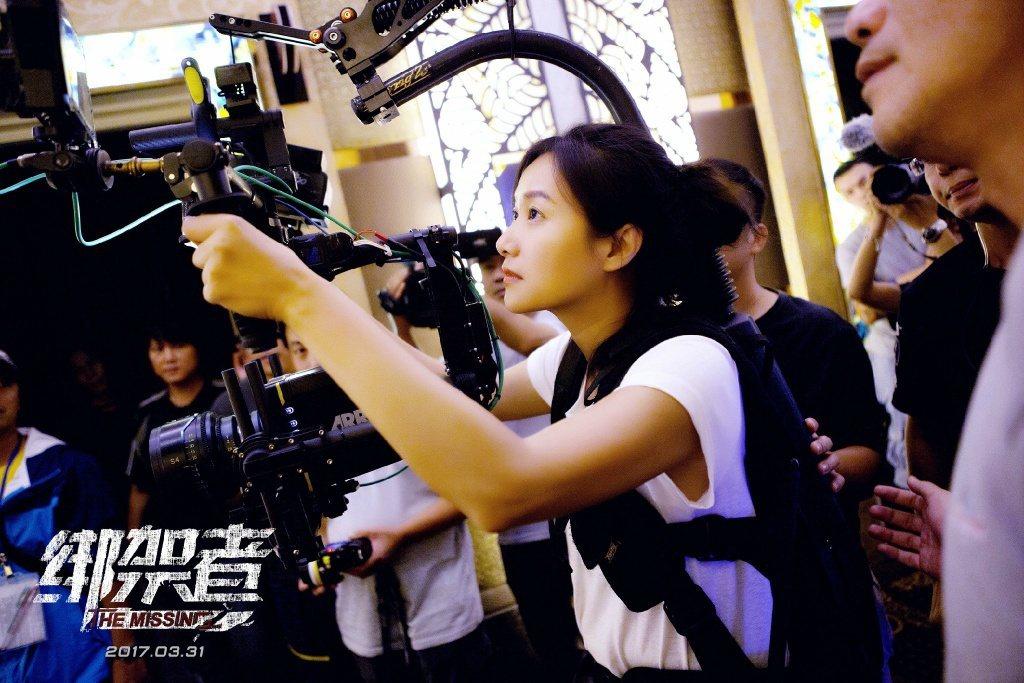 徐靜蕾去年三月推出導演作品「綁架者」。圖/摘自微博
