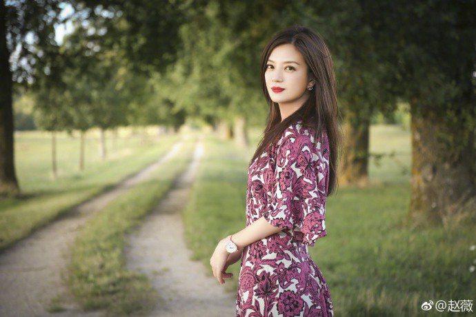 趙薇是中國大陸第一位票房破億的女導演。圖/摘自微博