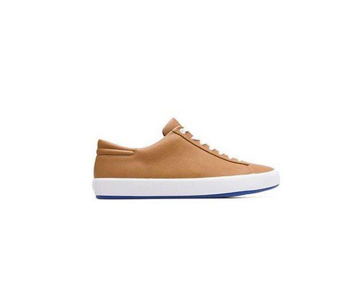 Andratx系列駝色休閒鞋,6,080元(男款)。圖/Camper提供