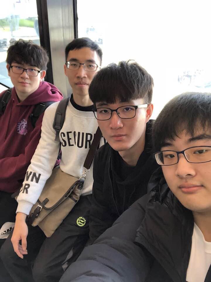 本次受台灣AfreecaTV贊助遠赴南韓首爾參賽的其中四名台灣選手,從左至右依序...