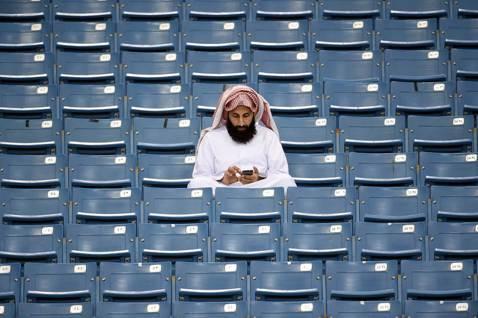 這場延續兩年的足球停權風波,除了顯示科威特的體育動態,如何深陷於國際地緣政治的洶...