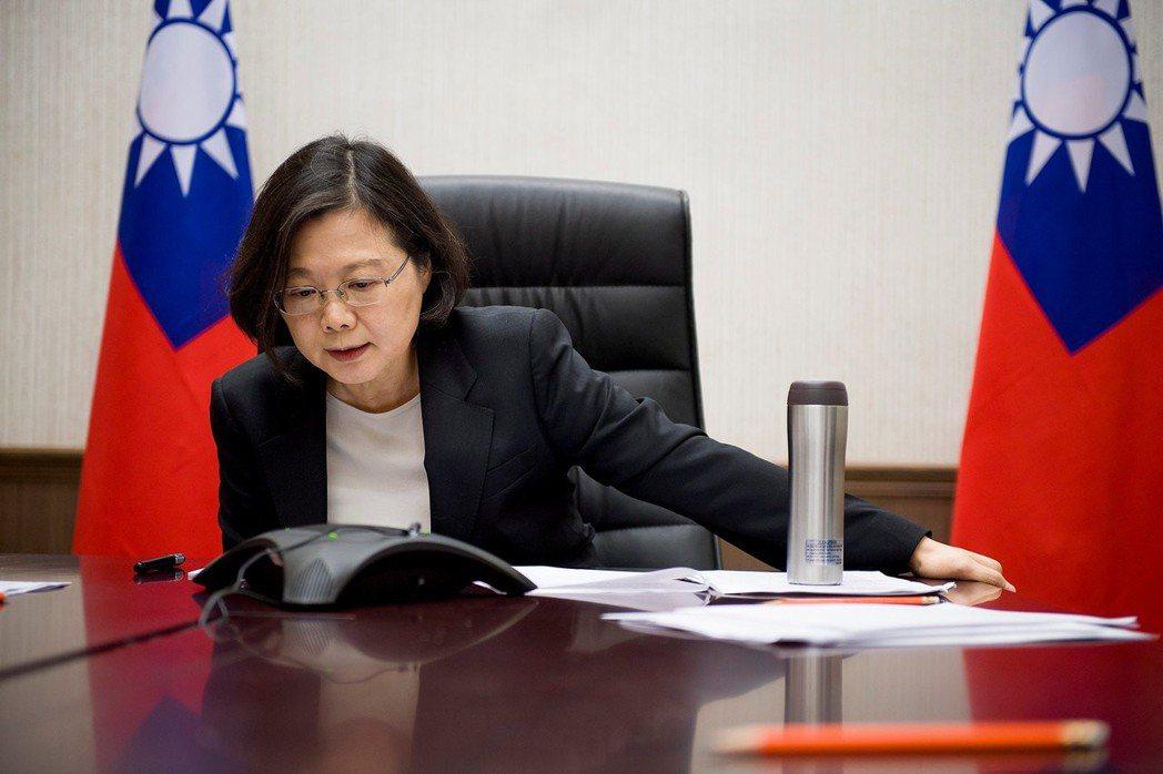 川普版NSS亦同時提及依照一個中國政策與台灣維持「堅強」的關係。 圖/路透社