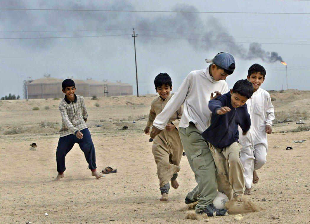 預定由伊拉克主辦的第23屆海灣盃,因為伊拉克仍深陷戰後重建的財務泥沼之中,只能再...