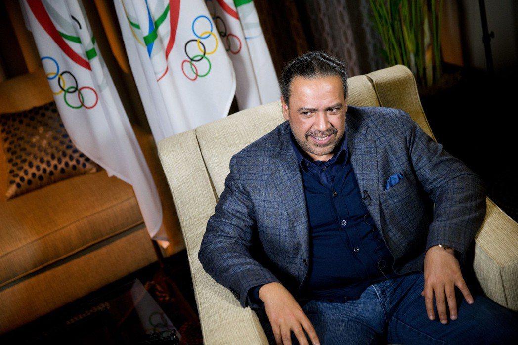 修法之後,科威特政府有了法條依據,隨即解散了科威特奧委會和足協,並且開始清查「這...