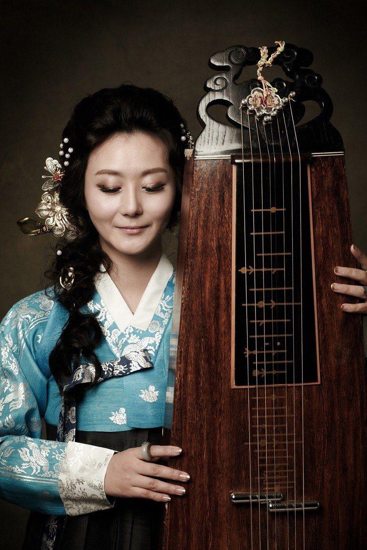 李裪室內樂團藝術總監、鐵玄琴演奏家柳京和。 (國家兩廳院/提供)