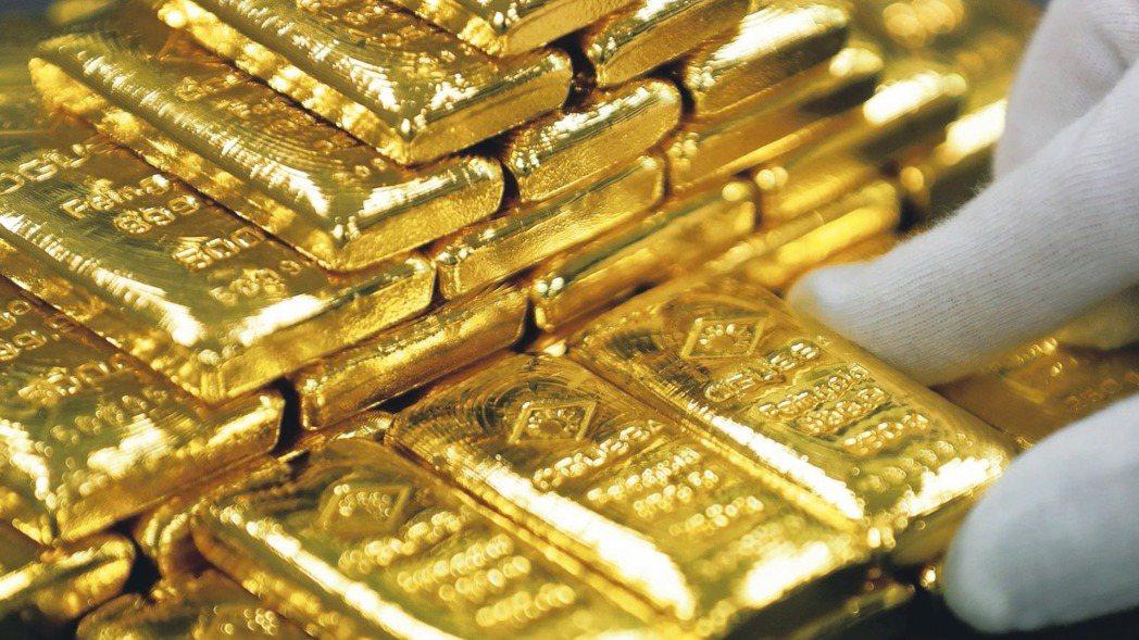 本周黃金強勢走高,截至3月23日14:00金價已經升至2月19日以來新高。 路透
