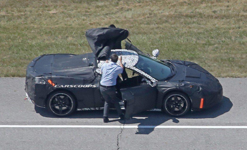 圖為2019 Corvette C8 測試照。 摘自Carscoops