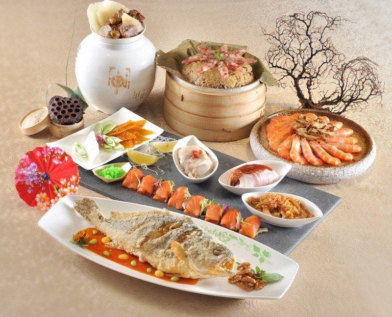台北凱撒推出的2018外帶年菜「小福套餐」精選五道菜色,早鳥價4000元有找。 ...