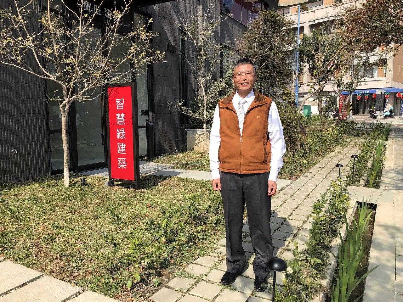 寶旺建設總經理劉明宗說,走在景觀水道旁,從耳邊傳來涓涓的流水聲,讓人放鬆心情彷彿...