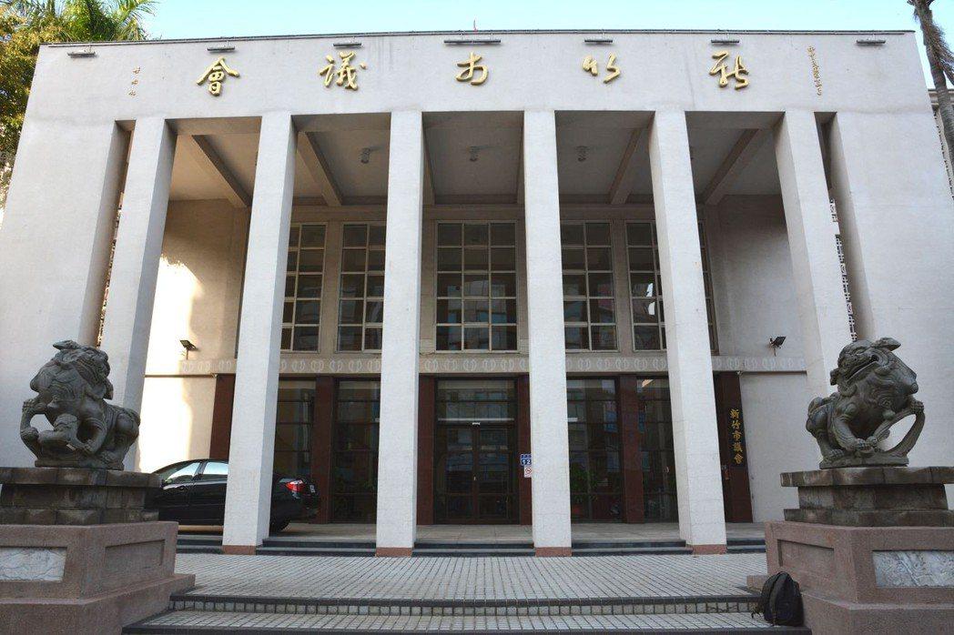 新竹市議會門前的石獅已有123年歷史,為台灣最美的青斗石獅。 聯合報系資料照