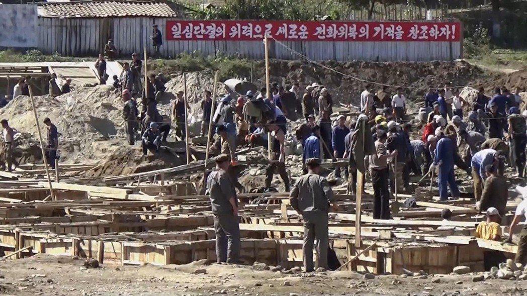 北韓會寧市一處建築工地。外界傳聞北韓運動員若表現不佳會被下放勞改,但這個傳聞並未...