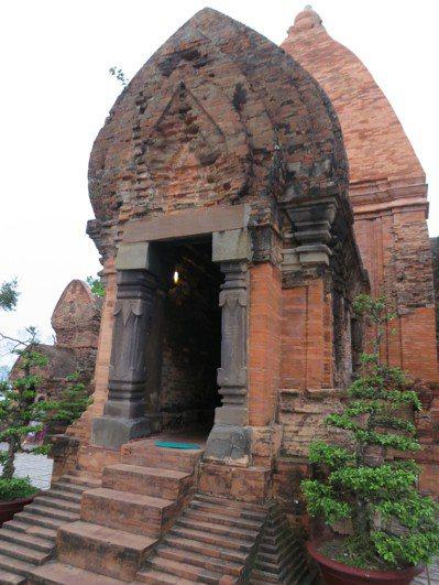 占婆塔建築為南越占族信仰的象徵。 記者黃日暉/攝影