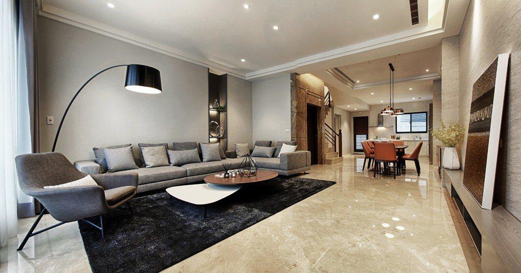 「藏峰9」6米×6米的寬敞客廳,氣派豪華。 圖片提供/誠佑實業