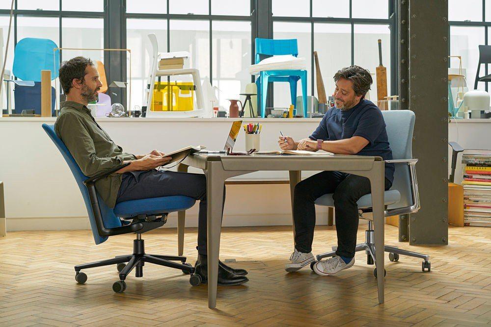 蘋果新總部員工辦公椅「Pacific Chair」,售價比一台iPhone X還...