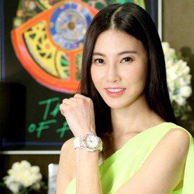 孫瑩瑩比拚行頭沒在怕 度假穿搭Hublot表不能少