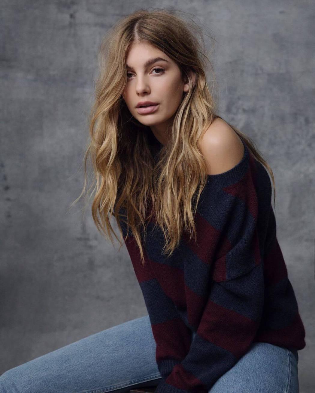 20歲年輕女模卡蜜拉莫隆是李奧納多狄卡皮歐新歡。圖/摘自Instagram