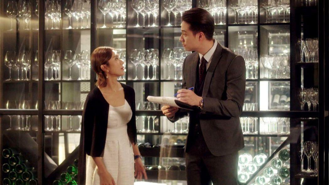 劉書宏(右)客串「已讀不回的戀人」。圖/三立提供
