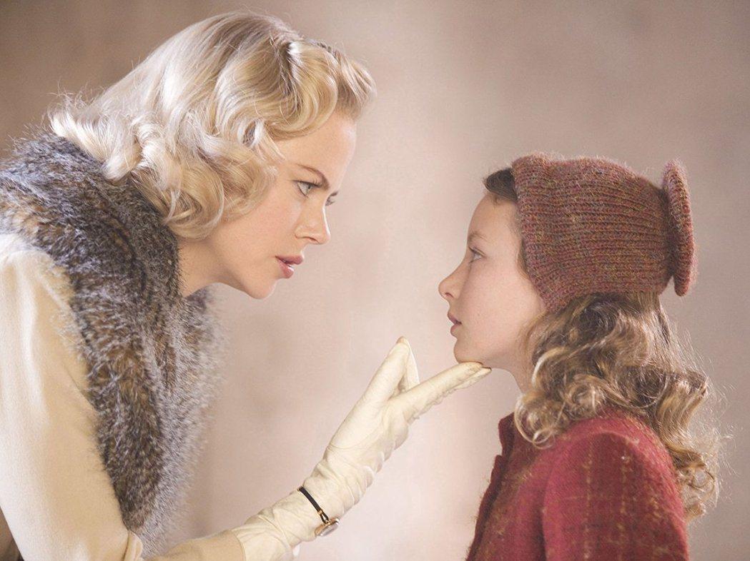 達珂塔布魯李察茲小小年紀就與妮可基嫚對戲。圖/摘自imdb
