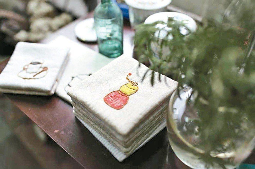 生活小物是袁朝露喜歡的刺繡主題。圖/袁朝露提供