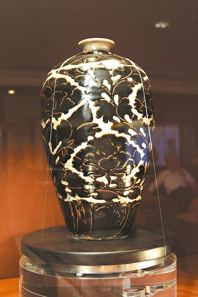 宋代磁州窯梅瓶。 圖/本報資料照片