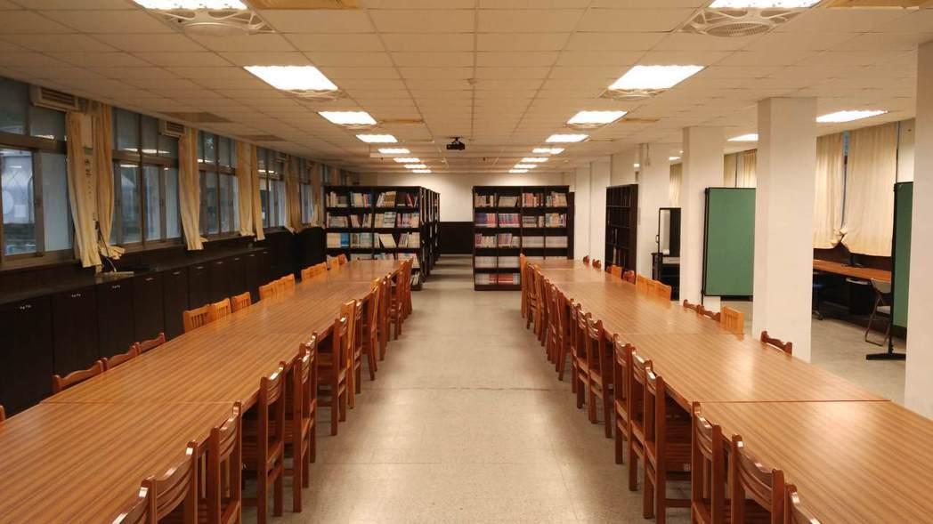 巴斯夫臻光彩燈管為國小教室打造更舒適的學習環境。