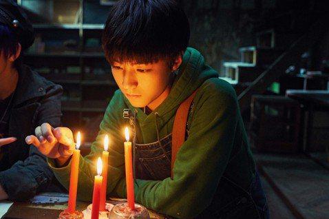 大陸人氣少男偶像TFBOYS王俊凱,在華語版「解憂雜貨店」裡擔任主角之一孤兒小波,內心敏感脆弱、不擅言辭,有情感爆發的激烈場面。他為此特別上了表演課,也和導演溝通再三,希望演技表現能得到觀眾的認同。...