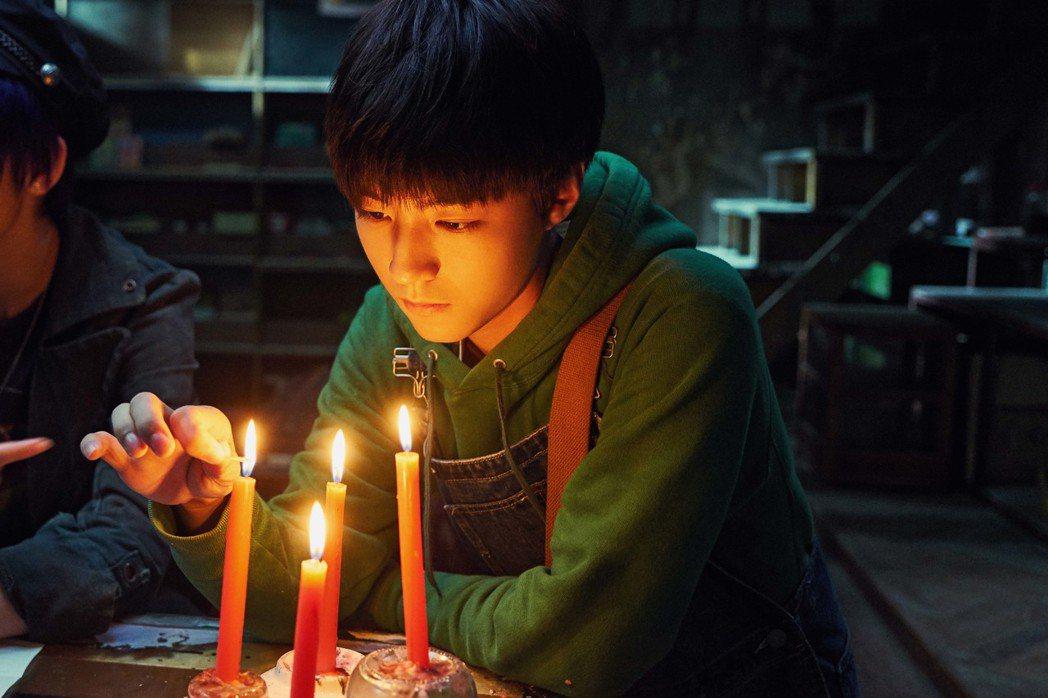 王俊凱是「解憂雜貨店」中的焦點。圖/華映提供
