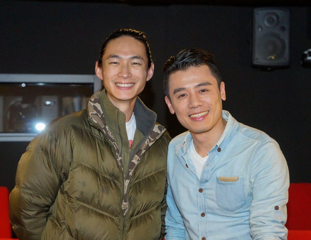 黃河(左)與邱志宇被「天上再見」感動,極力推薦。圖/海鵬提供