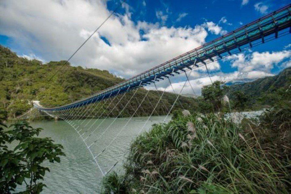 新溪口吊橋。(圖片提供/桃園市政府觀光旅遊局)
