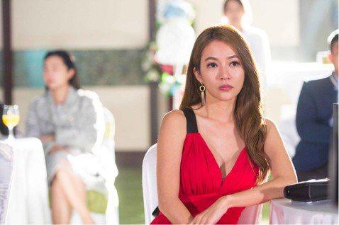 高宇蓁在三立台灣台最新八點台劇「金家好媳婦」中脫胎換骨,演一位萌媳婦。高宇蓁表示當時看到劇本時就對這個角色非常喜歡,二話不說馬上接了,這次的角色是有別以往的幹練,是個傻大姐、萌媳婦,還有一個綽號「金...