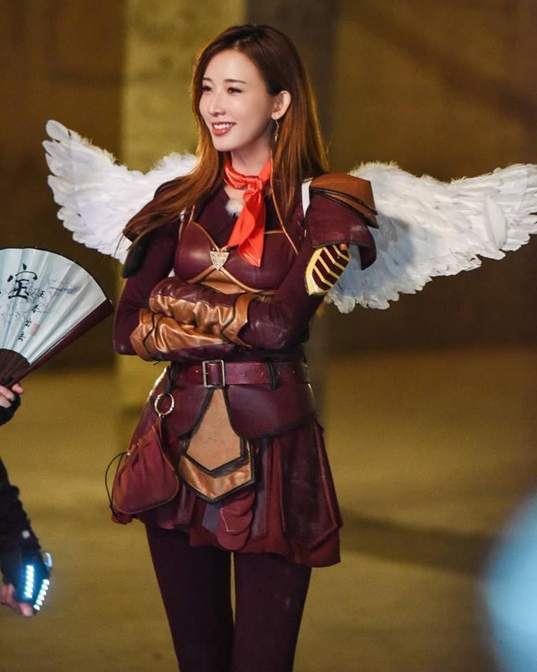 林志玲為大陸綜藝節目巧扮長翅膀的女戰神。圖/摘自臉書