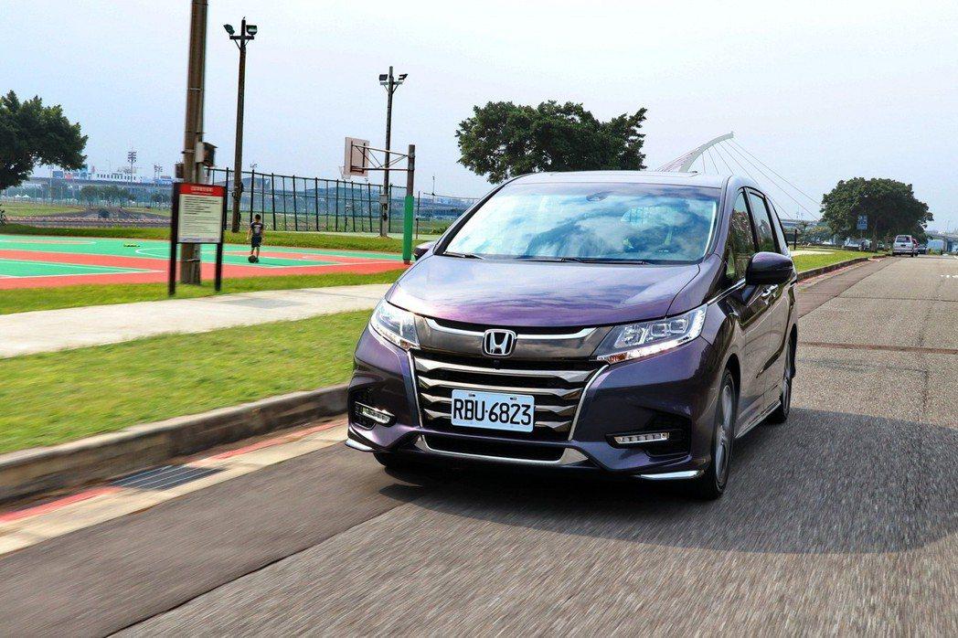 Honda Odyssey的動態表現不失品牌的操控DNA。 記者陳威任/攝影